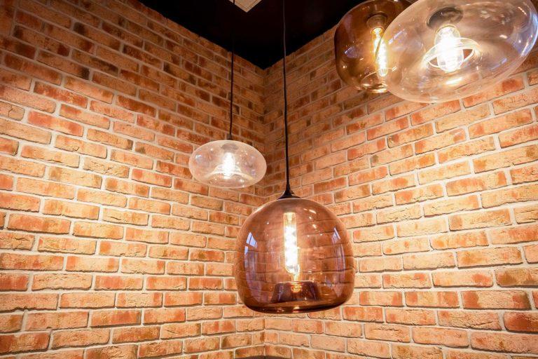Landbäckerei Koch Ladenumbau - rustikale Lampen